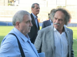 L'ormai ex presidente Lenzini con Frandoli; sullo sfondo l'altro vicepresidente, l'avvocato biancoceleste Marcello Totera