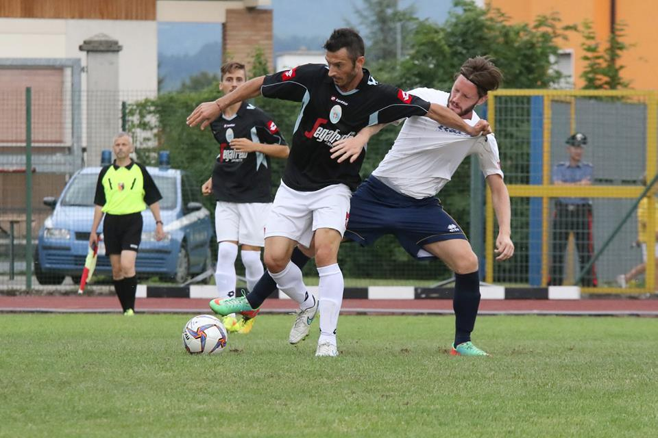 Azione di gioco dell'amichevole Belluno-Treviso (8 agosto 2015). Foto da: A.C. Belluno 1905 (Pagina Ufficiale Facebook)