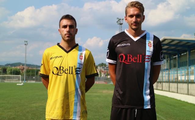 Spadari e Guzzo posano rispettivamente con le altre due maglie del nuovo Treviso