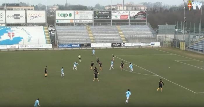 Nell'azione del primo gol Barattin sembra tenuto in gioco dal numero 2 Modolo