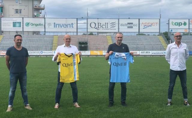 Da sinistra Glen Furlan (preparatore portieri), Flavio Carnovelli (vice allenatore), Enrico Cunico (allenatore) e Raffello Brazzale (preparatore atletico). Foto Treviso Calcio Ac.